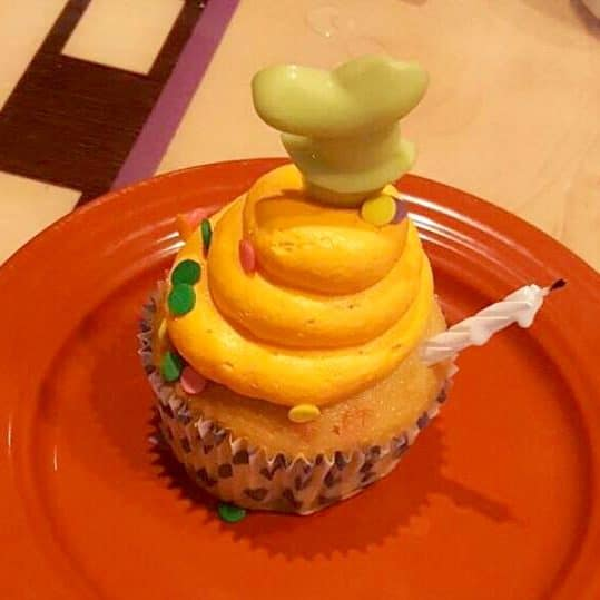 Goofy birthday cupcake