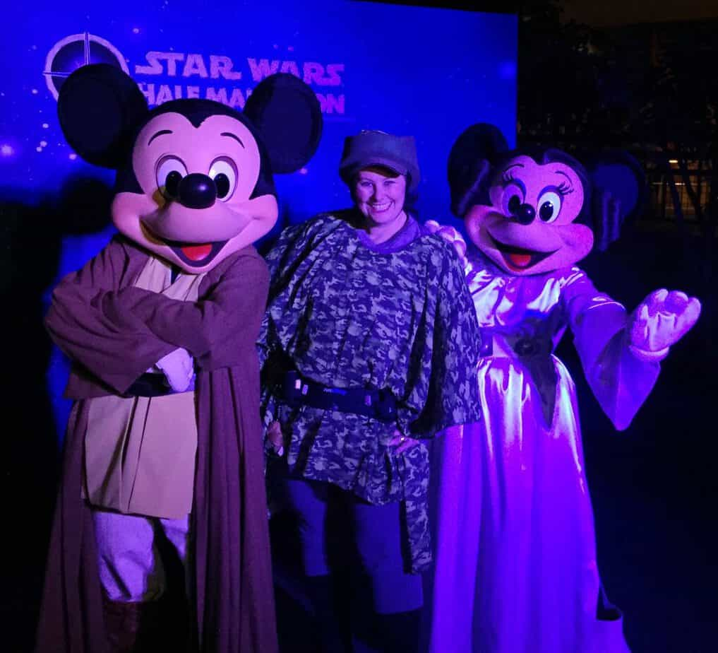 Jedi Mickey and Leia Minnie Star Wars Light Side runDisney