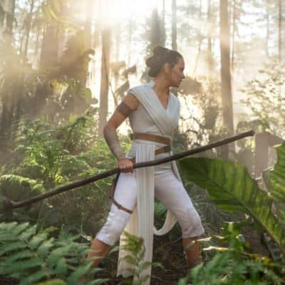 rise of skywalker voices of the jedi Rey in the forest training