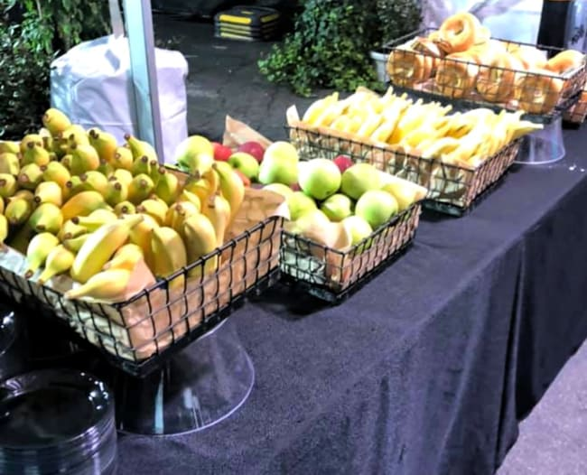 runDisney runner's square food: bananas, apples, bagels