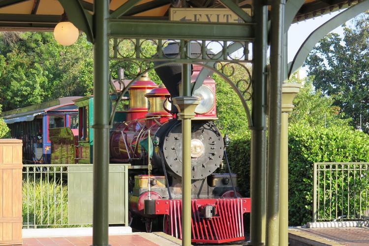 Disneyland Train- Grand circle tour of the Disney parks Disney Plus watch list
