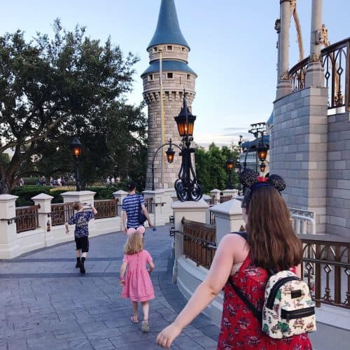 will kids have to wear a mask at Disney?