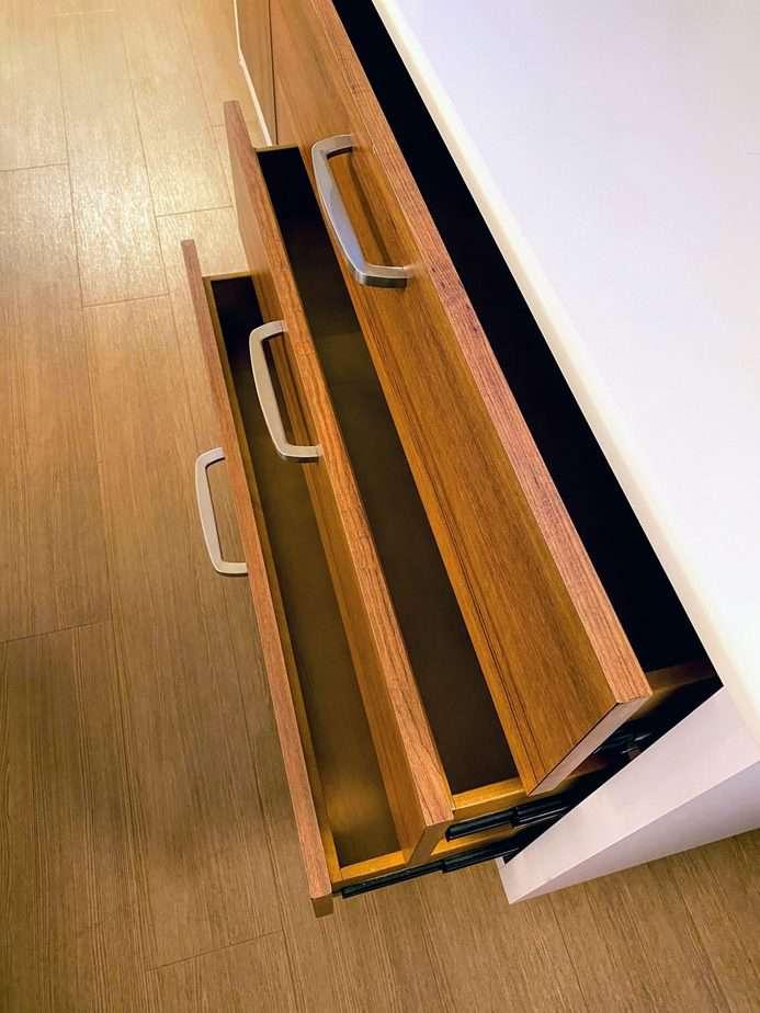 drawers at Pop century room tour