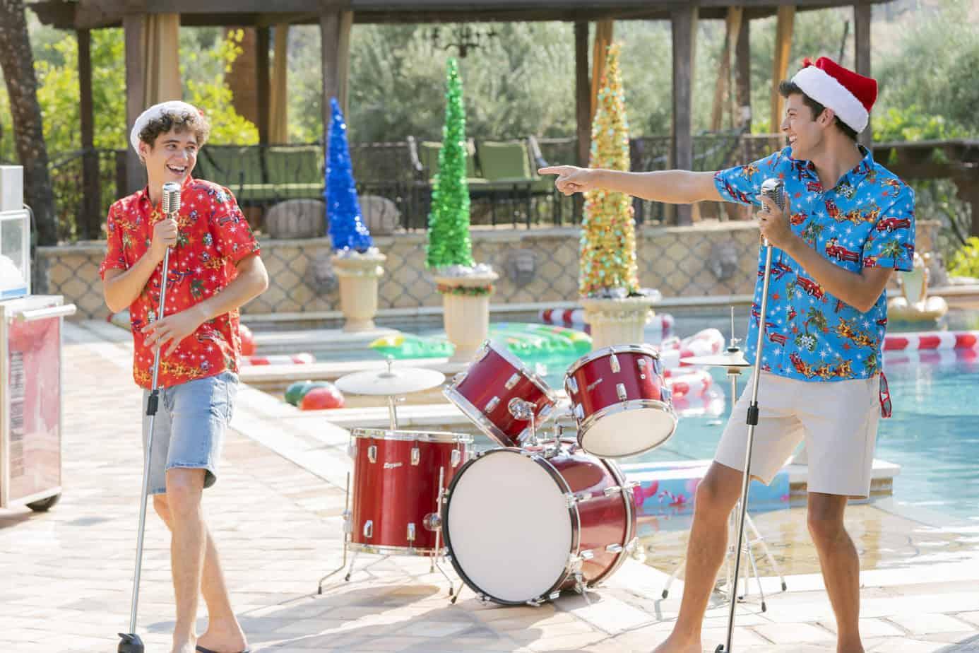 hsmtmts holiday special joshua bassett and Matt Cornett